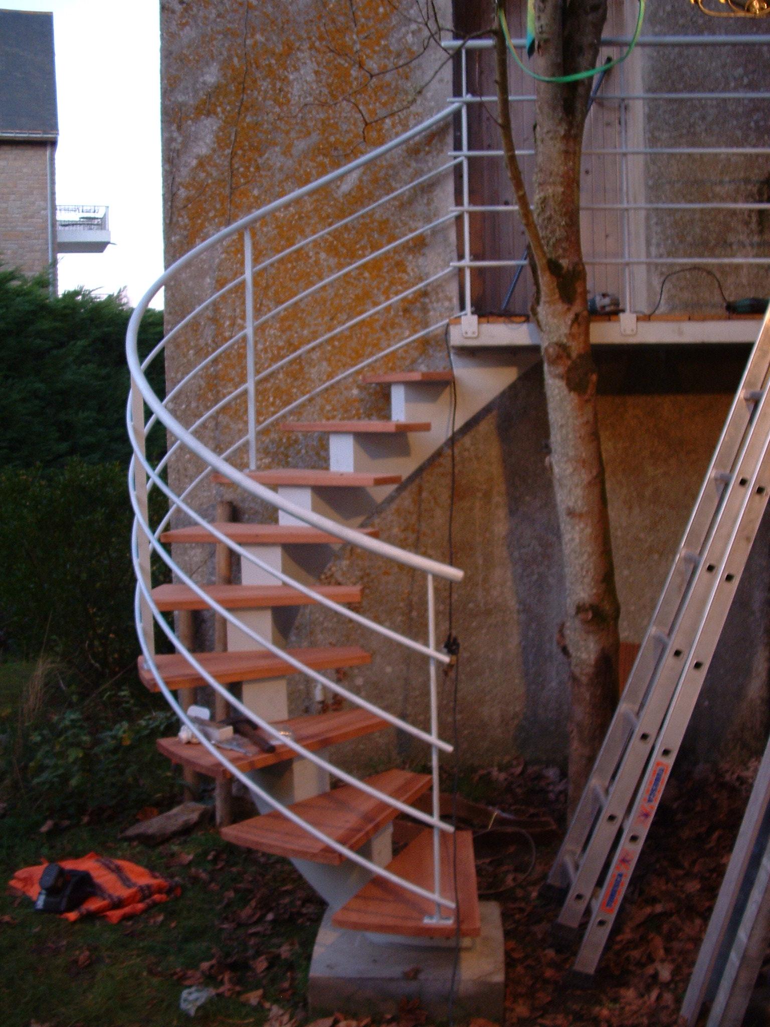 escalier à limon caissonné à crémaillère