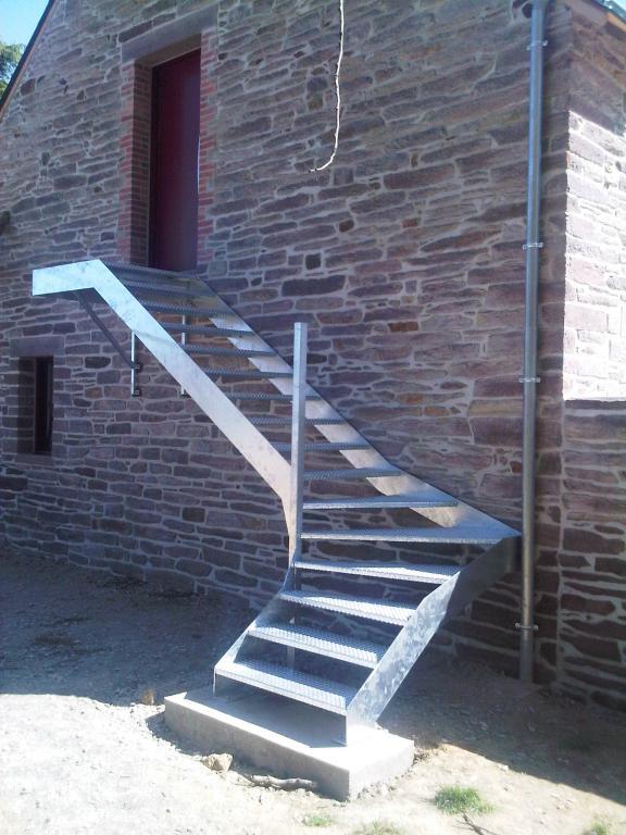escalier quart tournant balancé galvanisé